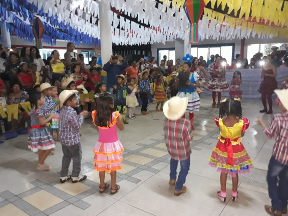 Escola Municipal realiza Festa Junina